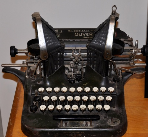 Oliver up-strike Typewriter